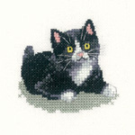 Cross stitch black and white kitten